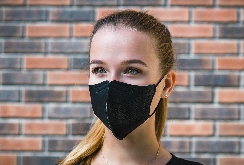 Obavy z koronaviru v Česku: Firma Respilon zaznamenala velký zájem o roušky a především respirátory
