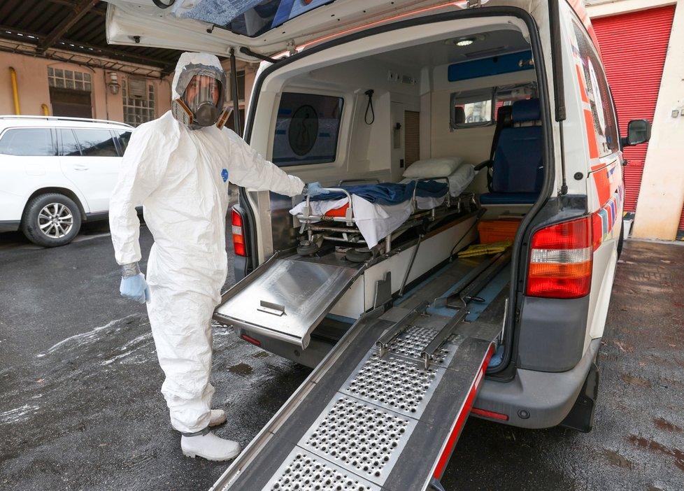 V Česku jsou první tři případy nákazy koronavirem.