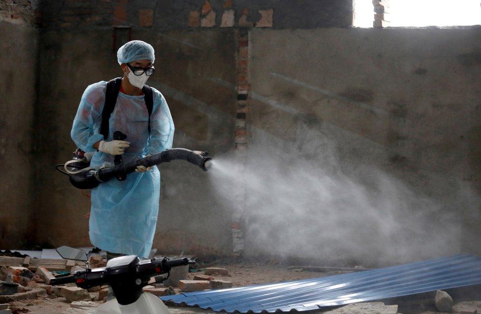 V Asii nadále řádí nový typ koronaviru, který způsobuje nemoc COVID-19
