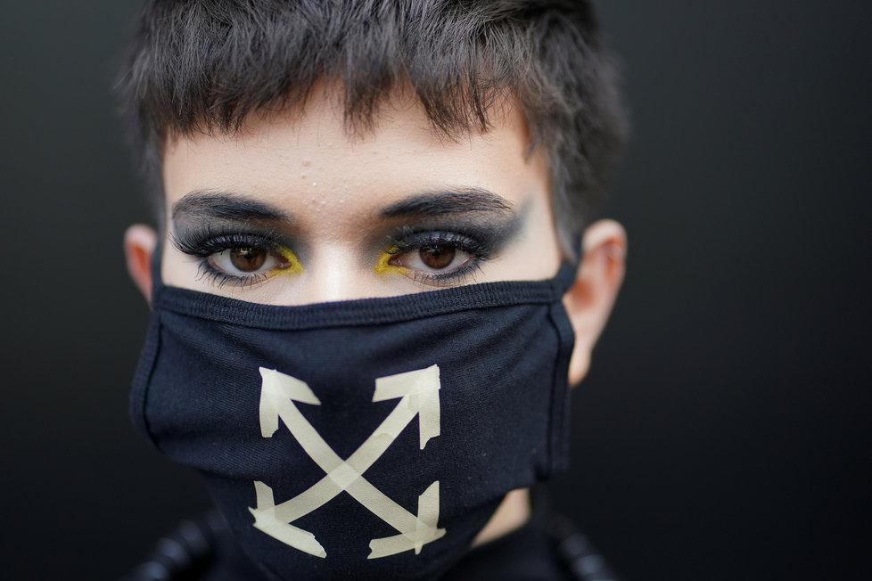 Koronavirus poznamenal i londýnský módní maraton