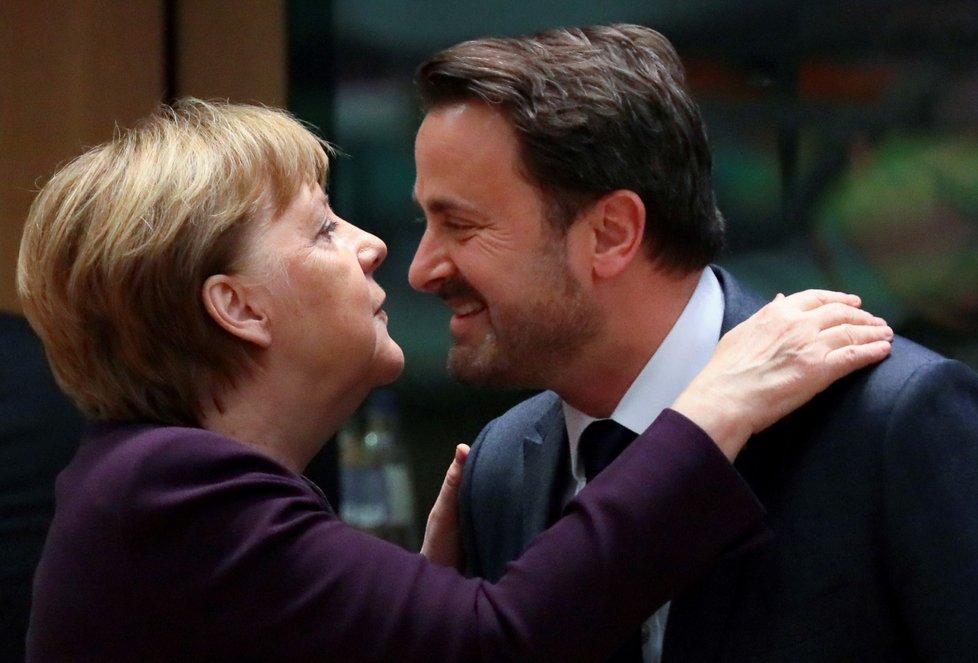 Mimořádný summit EU: Německá kancléřka Angela Merkelová a lucemburský premiér Xavier Bettel (20. 2. 2020)