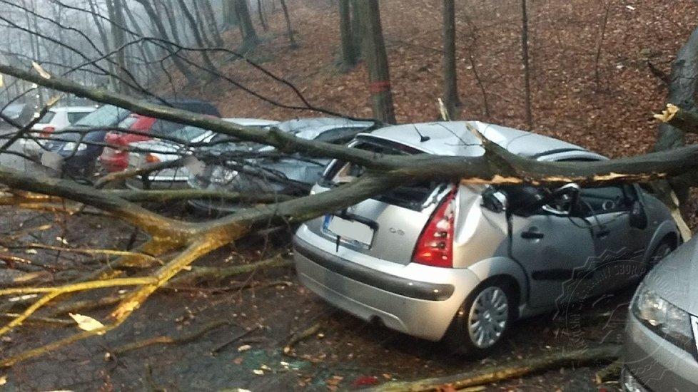V Pardubicích napáchal vítr velké škody