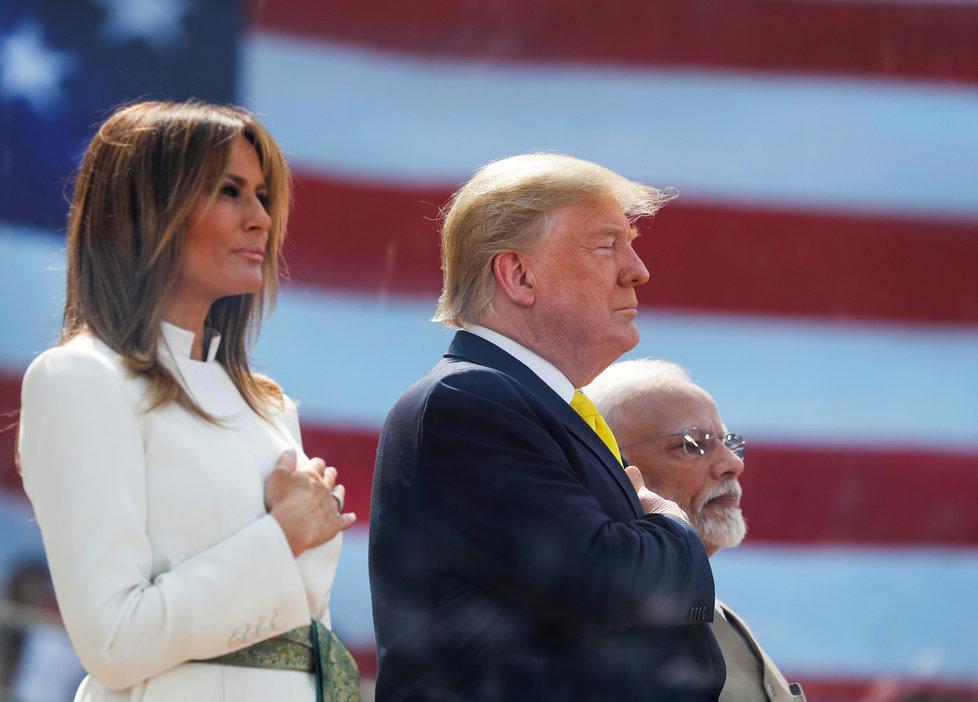 Americký prezident Donald Trump s manželkou Melanií zahájil návštěvu v Indii (24.02.2020). Na snímku s indickým premiérem Módím.