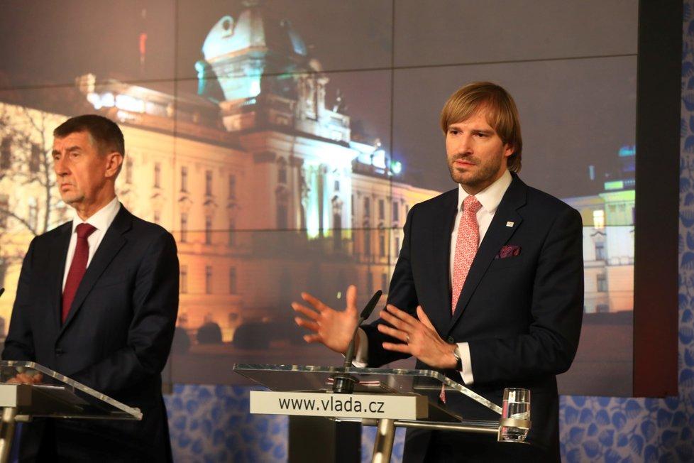 Premiér Andrej Babiš a ministr zdravotnictví Adam Vojtěch po jednání Bezpečnostní rady státu. (25.2.2020)