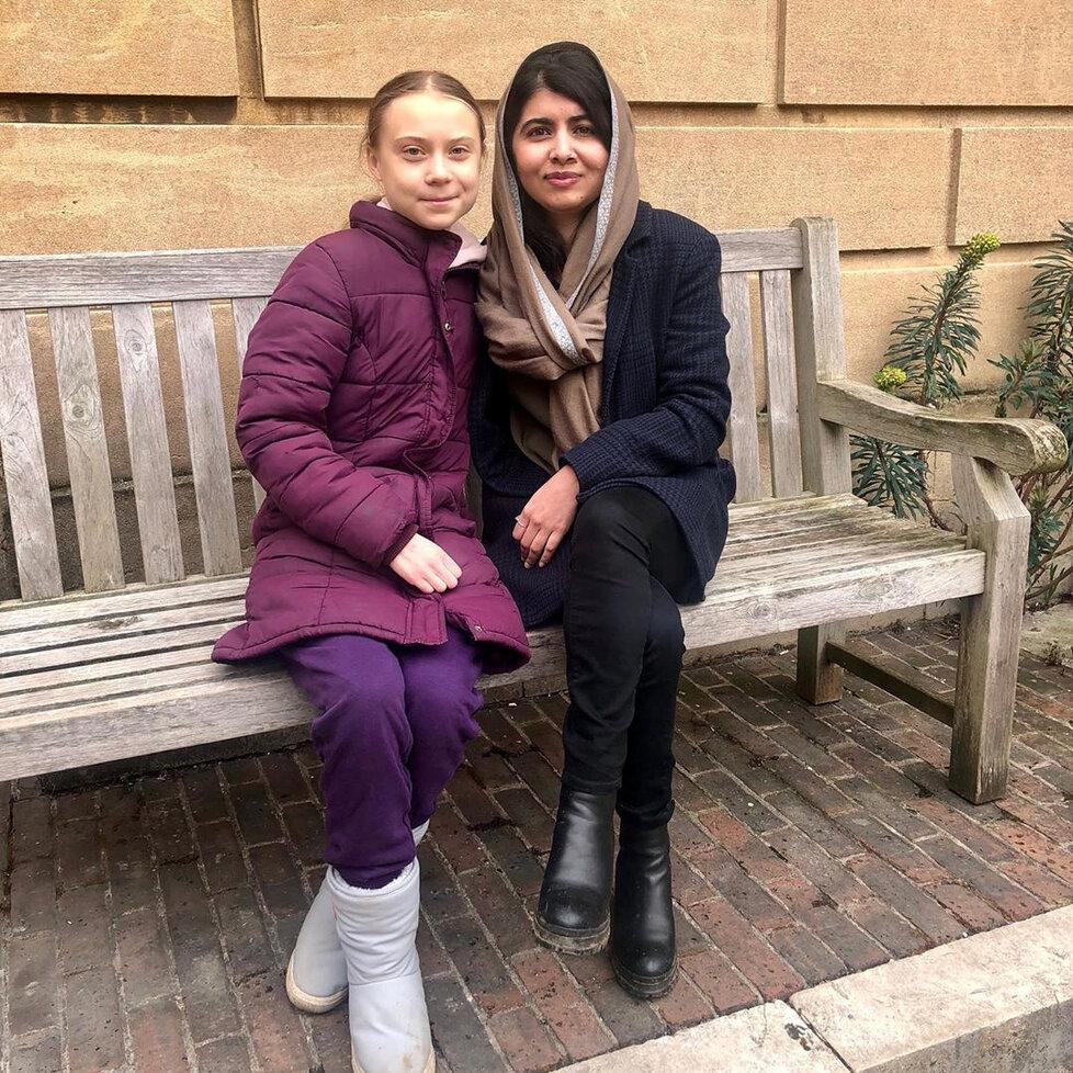 Švédská aktivistka Greta Thunbergová se během své návštěvy v Oxfordu setkala s nositelkou Nobelovy ceny míru Malalou Júsufzajovou.