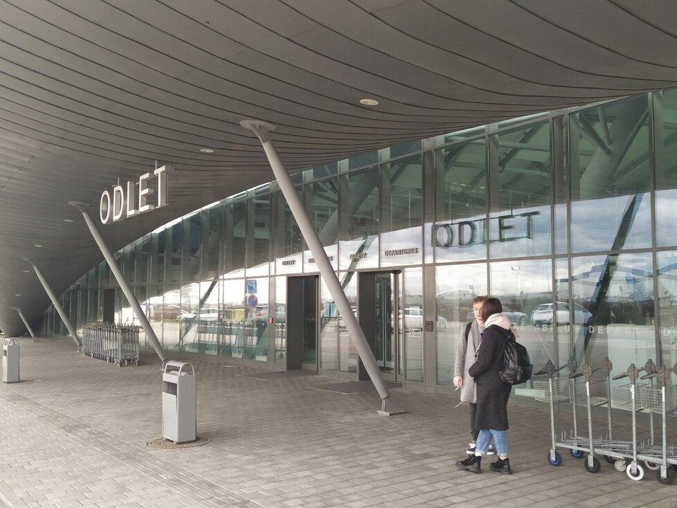 Letadlo s pacienty z Francie v pondělí nepřiletí, oznámilo vedení FN Brno