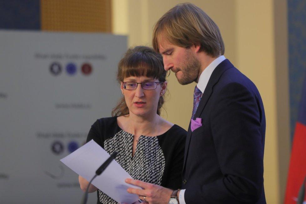 Hlavní hygienička Eva Gottvaldová a ministr zdravotnictví Adam Vojtěch vystoupili 28. února 2020 v Praze na tiskové konferenci k aktuální situaci v souvislosti s výskytem koronaviru v Evropě.