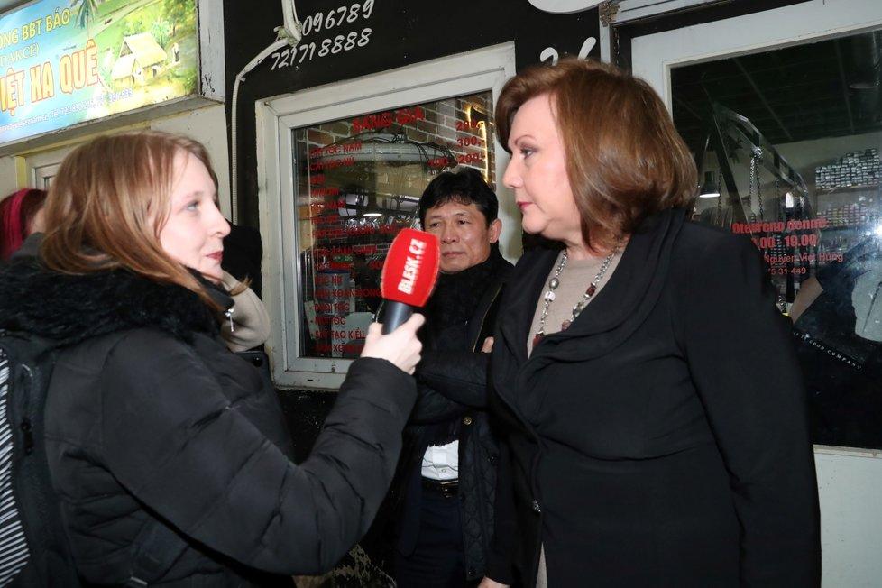 Ministryně financí Alena Schillerová vyrazila do vietnamské Sapy, aby zde tamní komunitě objasnila 3. a 4. vlnu EET. (29.2.2020)