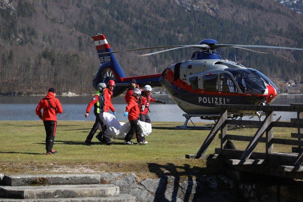 Lavina v Rakousku pohřbila pětici Čechů (8. 3. 2020)
