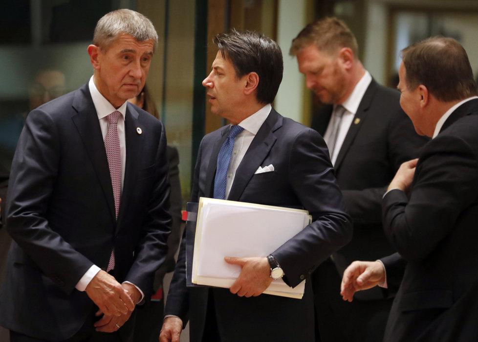 Český premiér Andrej Babiš (ANO) a jeho italský protějšek Giuseppe Conte na jednání v Bruselu v březnu 2019