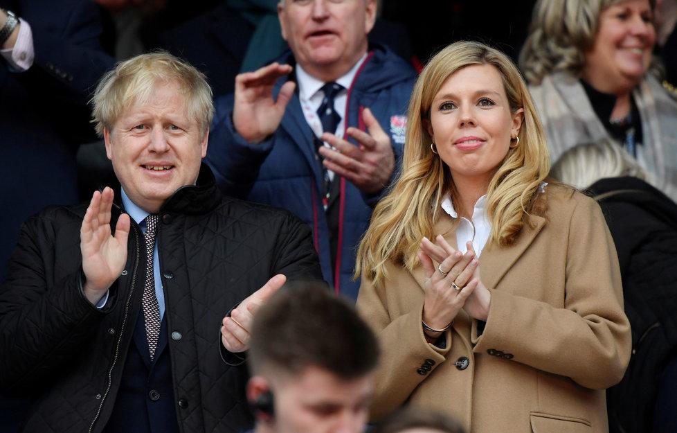 Britský premiér Boris Johnson se svou těhotnou partnerkou Carrie Symondsovou, (9.03.2020)