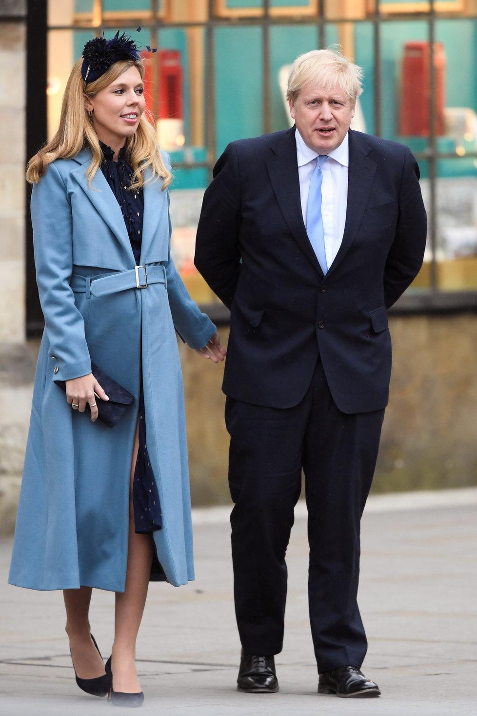 Britský premiér Boris Johnson se svou těhotnou přítelkyní Carrie Symondsovou, (9.03.2020).