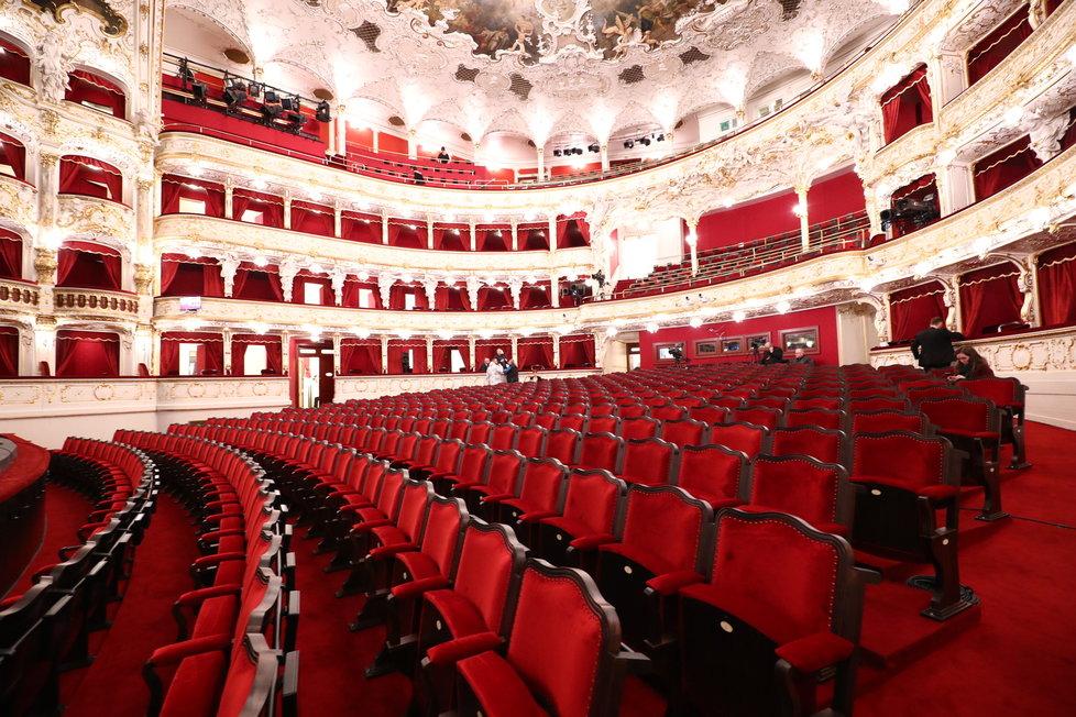 Prázdné divadlo