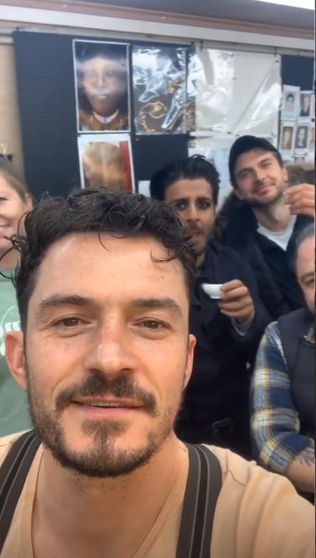 Orlando Bloom se loučí s Prahou a natáčením seriálu Carnival Row