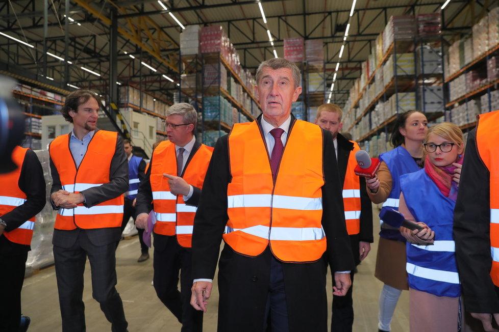 Babiš vyrazil do skladů řetězců, Čechy vehementně vyzýval, aby neskupovali potraviny (13.3.2020)
