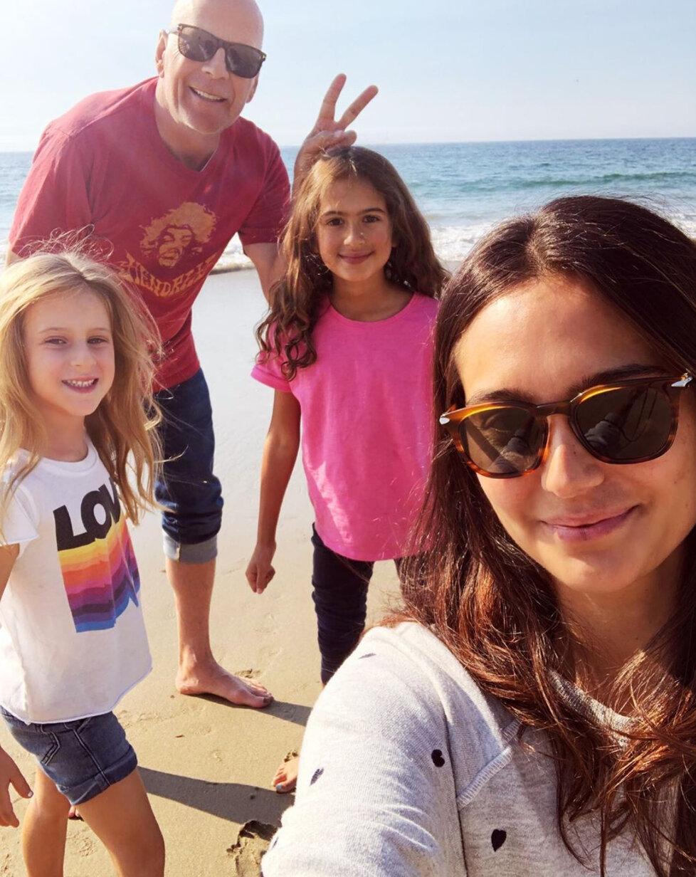 Bruce s rodinkou na dovolené.
