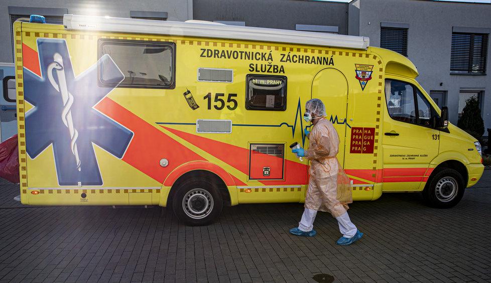 Testování na koronavirus zajišťuje i pražská Bulovka
