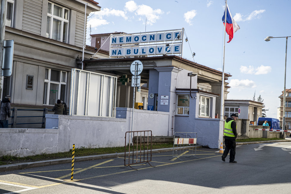 Pražská Nemocnice Na Bulovce se stará o pacienty s koronavirem