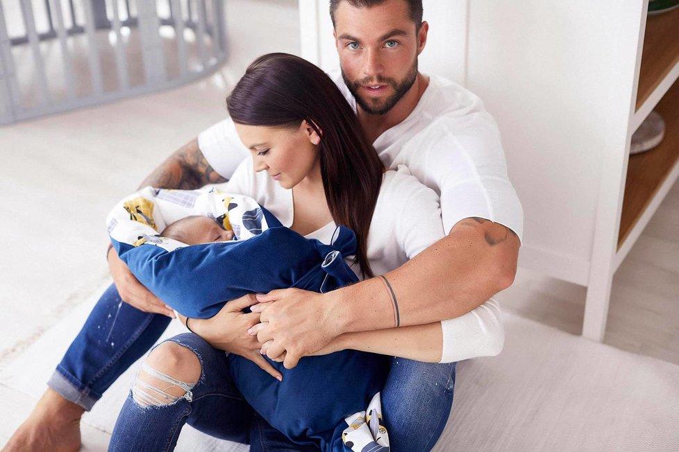 Karel Frýd s partnerkou a synem