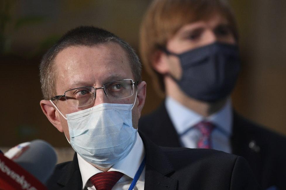 Ředitel Ústavu zdravotnických informací a statistiky (ÚZIS) Ladislav Dušek na tiskové konferenci (1.4.2020