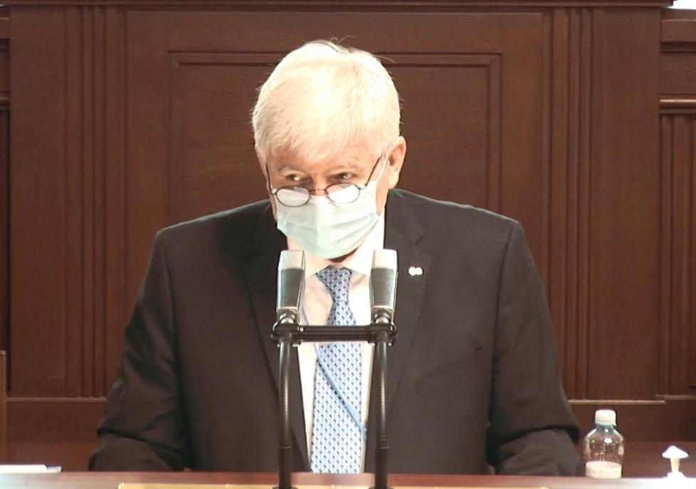 Sněmovna o koronaviru: Hostem byl guvernér ČNB Jiří Rusnok (8. 4. 2020)