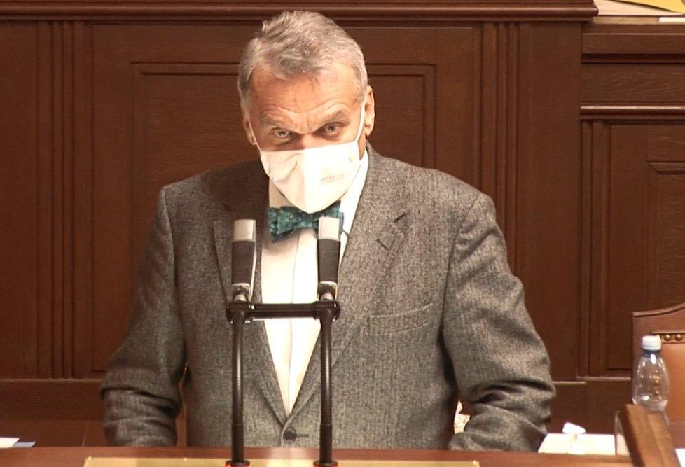 Sněmovna o koronaviru: Poslanec Bohuslav Svoboda (ODS), někdejší primátor Prahy (9. 4. 2020)