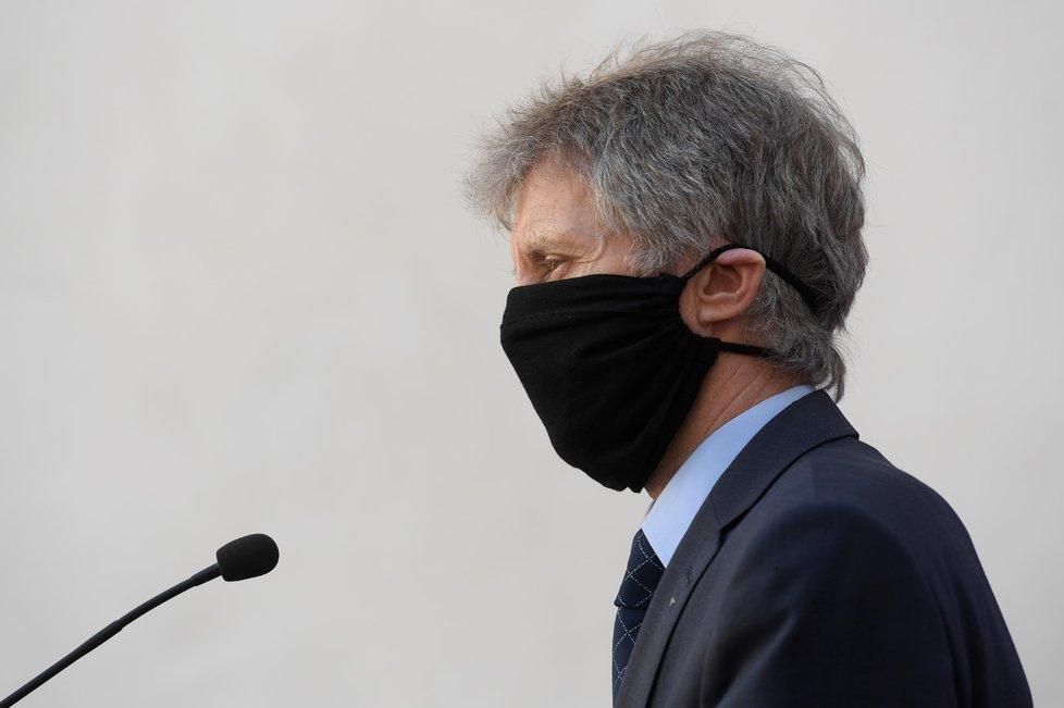 Předseda Senátu Miloš Vystrčil na půdě Senátu (8.4.2020)