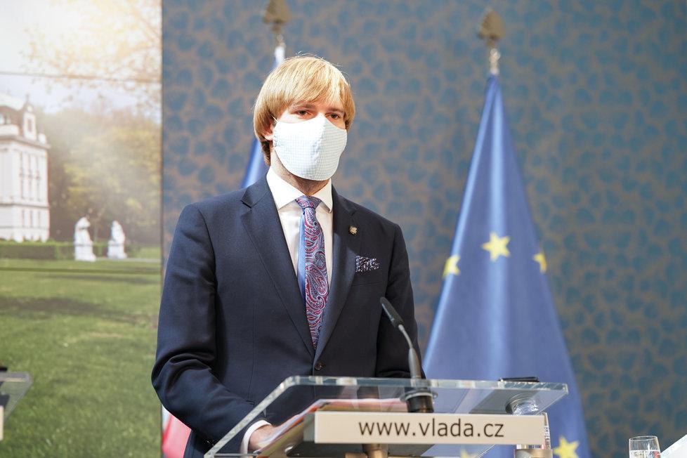 Jednání vlády o koronaviru: ministr zdravotnictví Adam Vojtěch (9.4.2020)