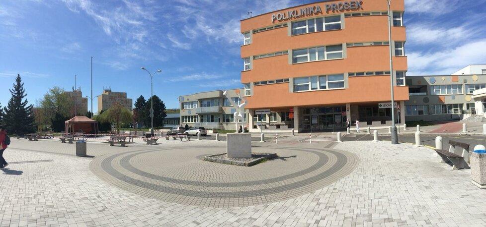 Odběrové místo před Poliklinikou Prosek