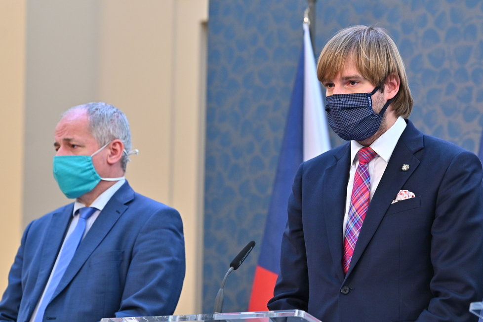 Tisková konference po jednání vlády 17. 4. 2020.