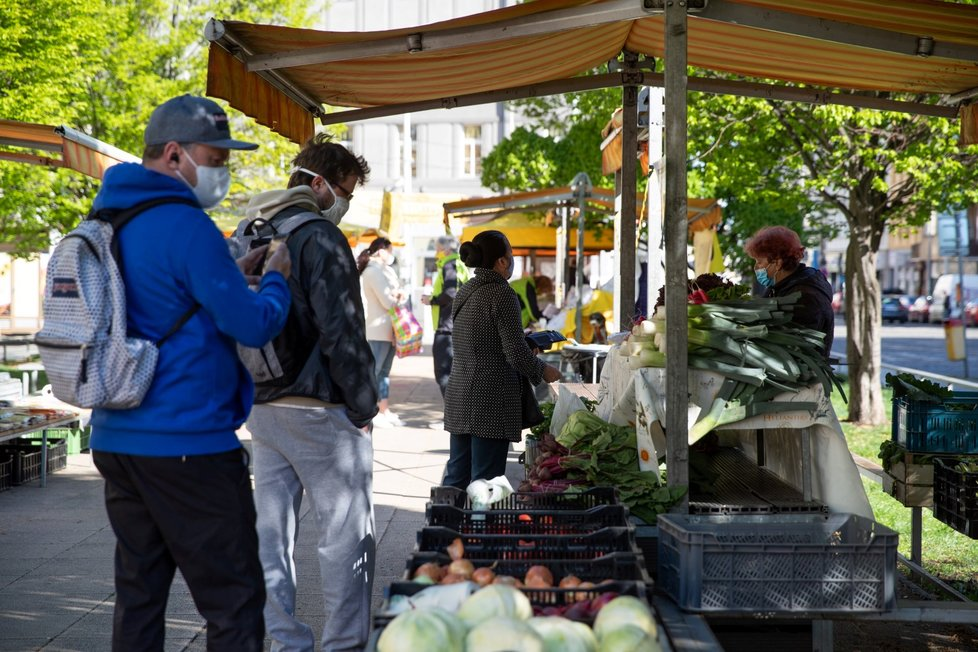 20. 4. se znovu otevřely za bezpečnostních opatření farmářské trhy (20.4. )