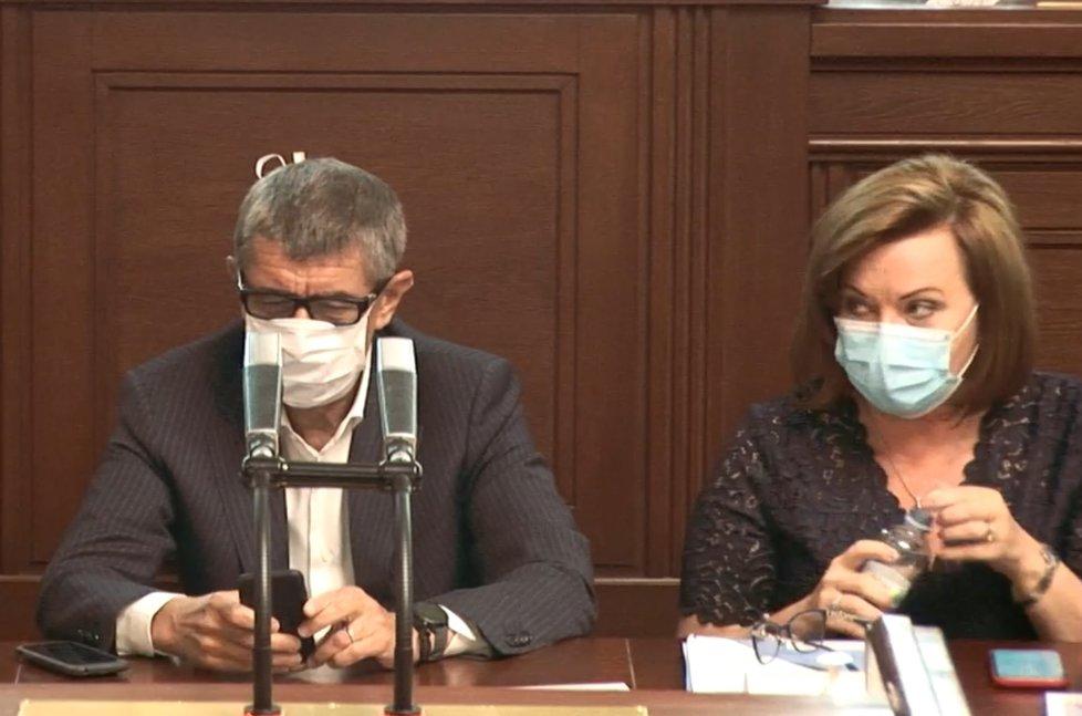Sněmovna o koronaviru: Dorazili i Andrej Babiš a Alena Schillerová (21.4.2020)