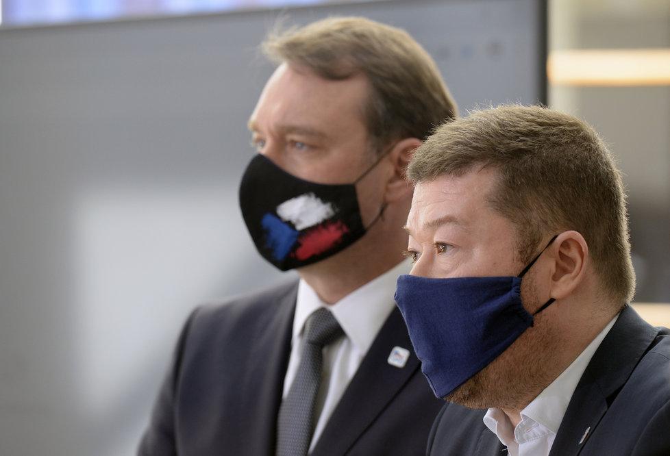 Sněmovna o koronaviru: Radim Fiala a Tomio Okamura na tiskovce SPD (21.4.2020)