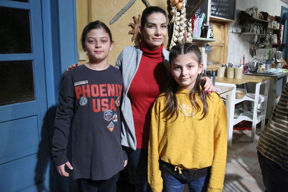 Eva Decastelo s dětmi Michaelem a Zuzankou.