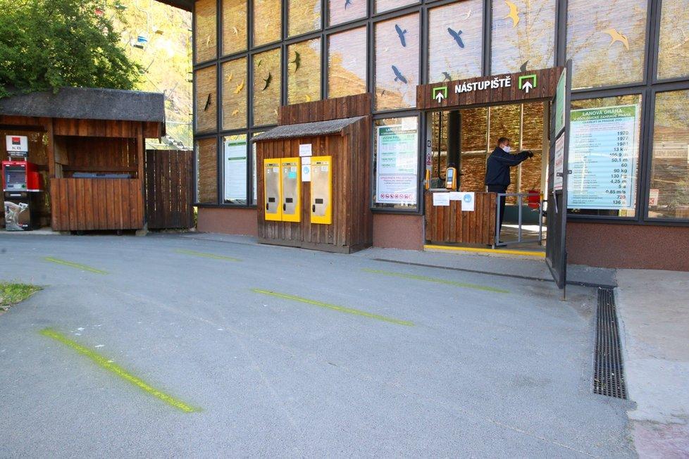 Znovuotevření Zoo Praha, 27. dubna 2020