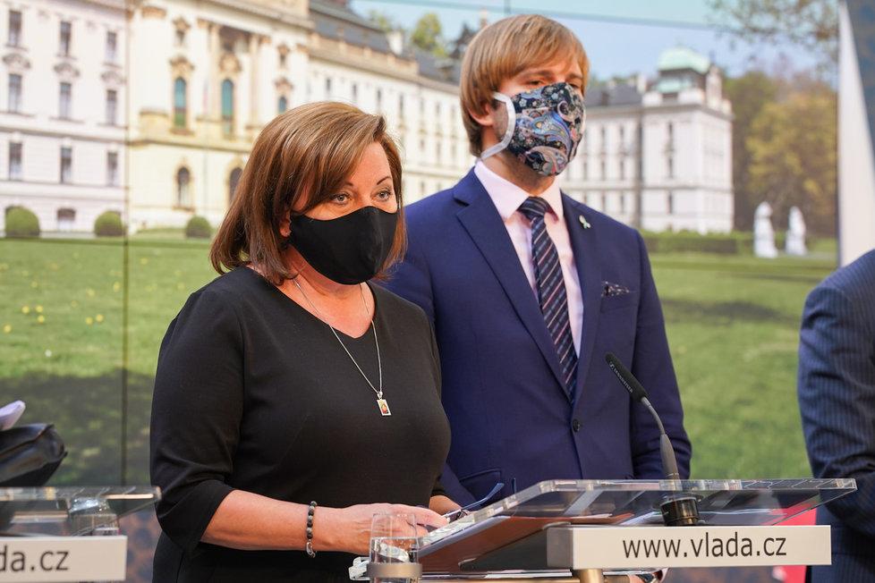 Vláda o koronaviru: Alena Schillerová a Adam Vojtěch (24.4.2020)