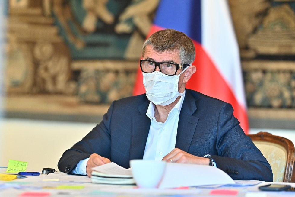 Premiér Andrej Babiš na mimořádném zasedání kabinetu (30.4.2020)