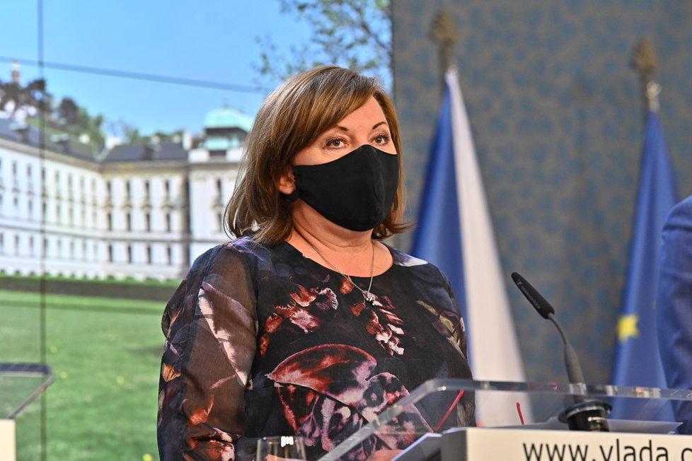 Tisková konference o koronaviru: ministryně financí Alena Schillerová (30.4.2020)