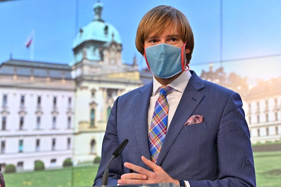 Tisková konference o koronaviru: ministr zdravotnictví Adam Vojtěch (30.4.2020)