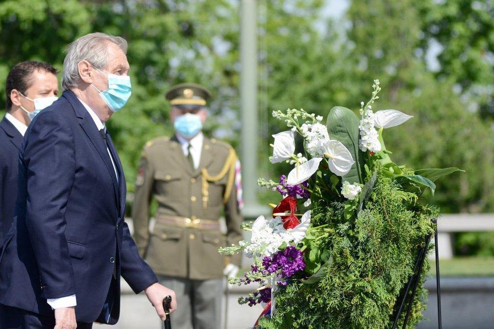 Pieta na Vítkově: Prezident Miloš Zeman uctil oběti 2. světové války (8. 5. 2020)