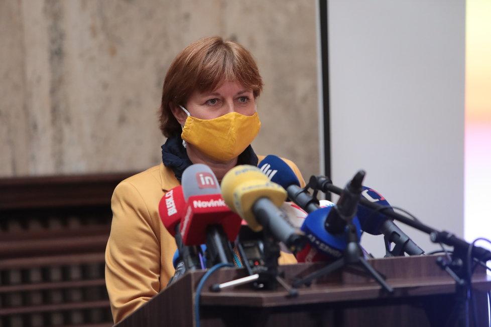 Tisková konference k uvolňování opatření po 25. květnu: Hlavní hygienička Jarmila Rážová (15.5.2020)
