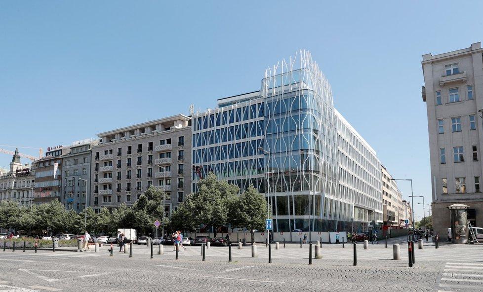 Květinový dům, tedy The flow building je dokončen. Na podzim v něm bude otevírat Primark (28.5.2020)