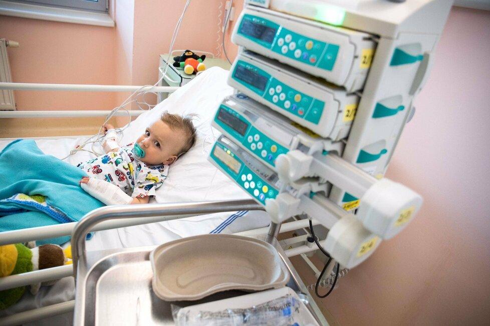 Adámek dostal v motolské nemocnici nejdražší lék na světě.