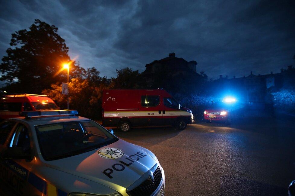 Pátrání po ztraceném čtyřměsíčním chlapci na Mělnicku: Zapojili se policisté, hasiči i dobrovolníci.