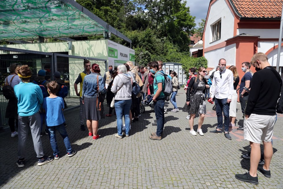 Zoo Praha musela kvůli naplnění  kapacity 30. května 2020 ve 13:00 zavřít.