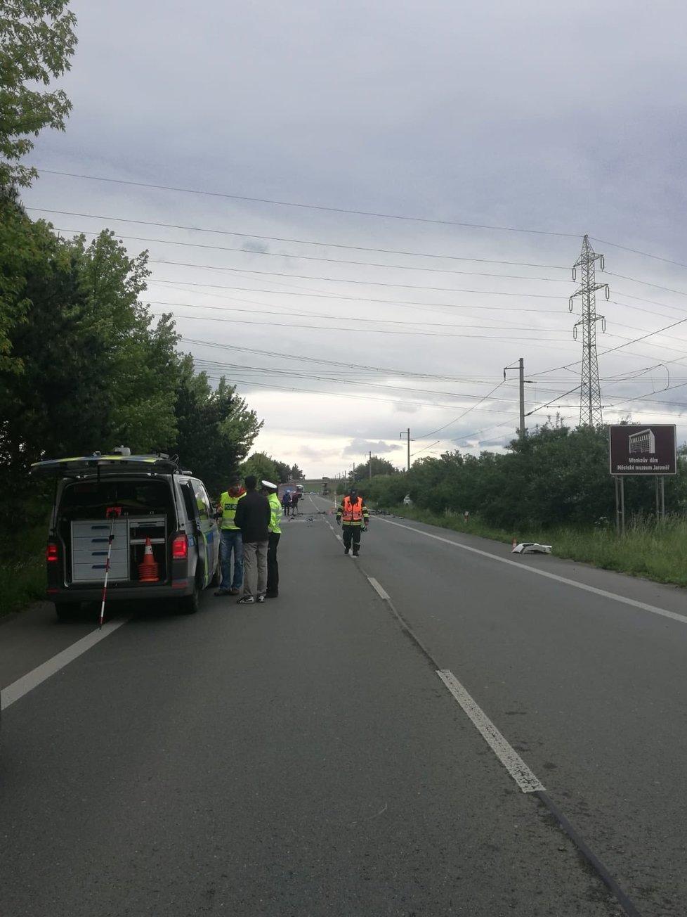 Při dopravní nehodě u Černožic na Královéhradecku v neděli 31. května 2020 zemřeli tři lidé.