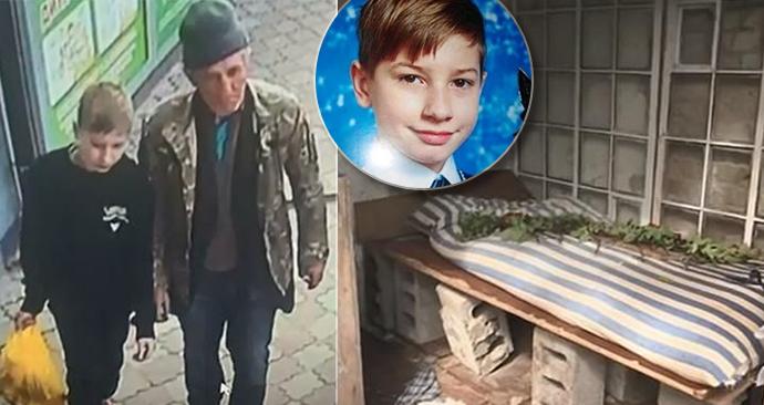 Bezdomovec pedofil nalákal chlapce na sladkosti.