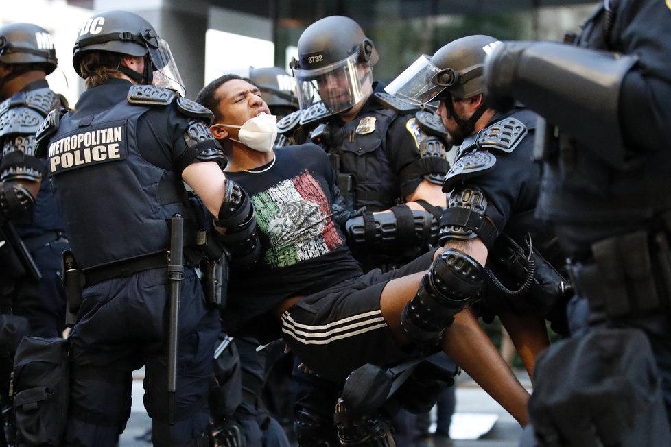 Demonstrace proti policejnímu násilí v USA (2.6.2020)