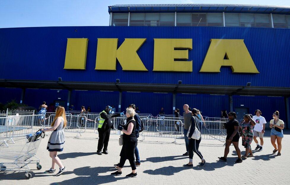 Obchody IKEA v Británii znovu otevřely po týdnech nucené pauzy (2. června 2020)