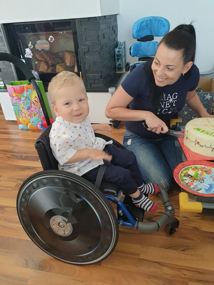Bojovník Maxík dostal nejdražší lék světa na poslední chvíli: V neděli oslavil druhé narozeniny